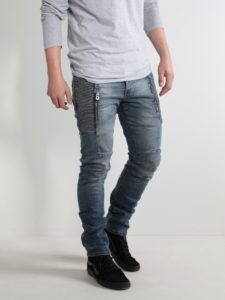 Look fashionable with your Skinny Jeans